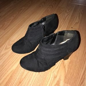 Shoes - Black suede booties